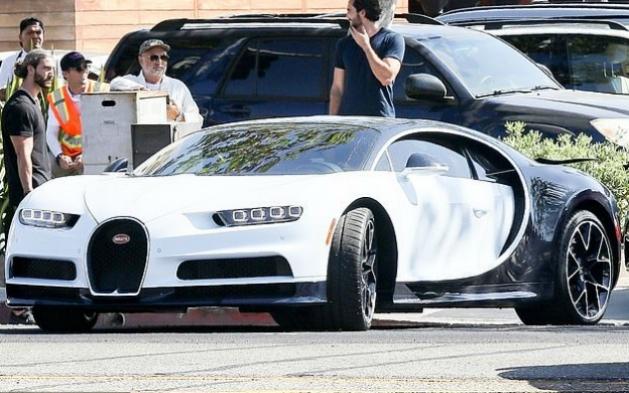 Kylie Jenner si pořídila Bugatti za 3 mil. USD | LuxuryGURU